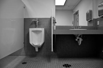 urinal B&W