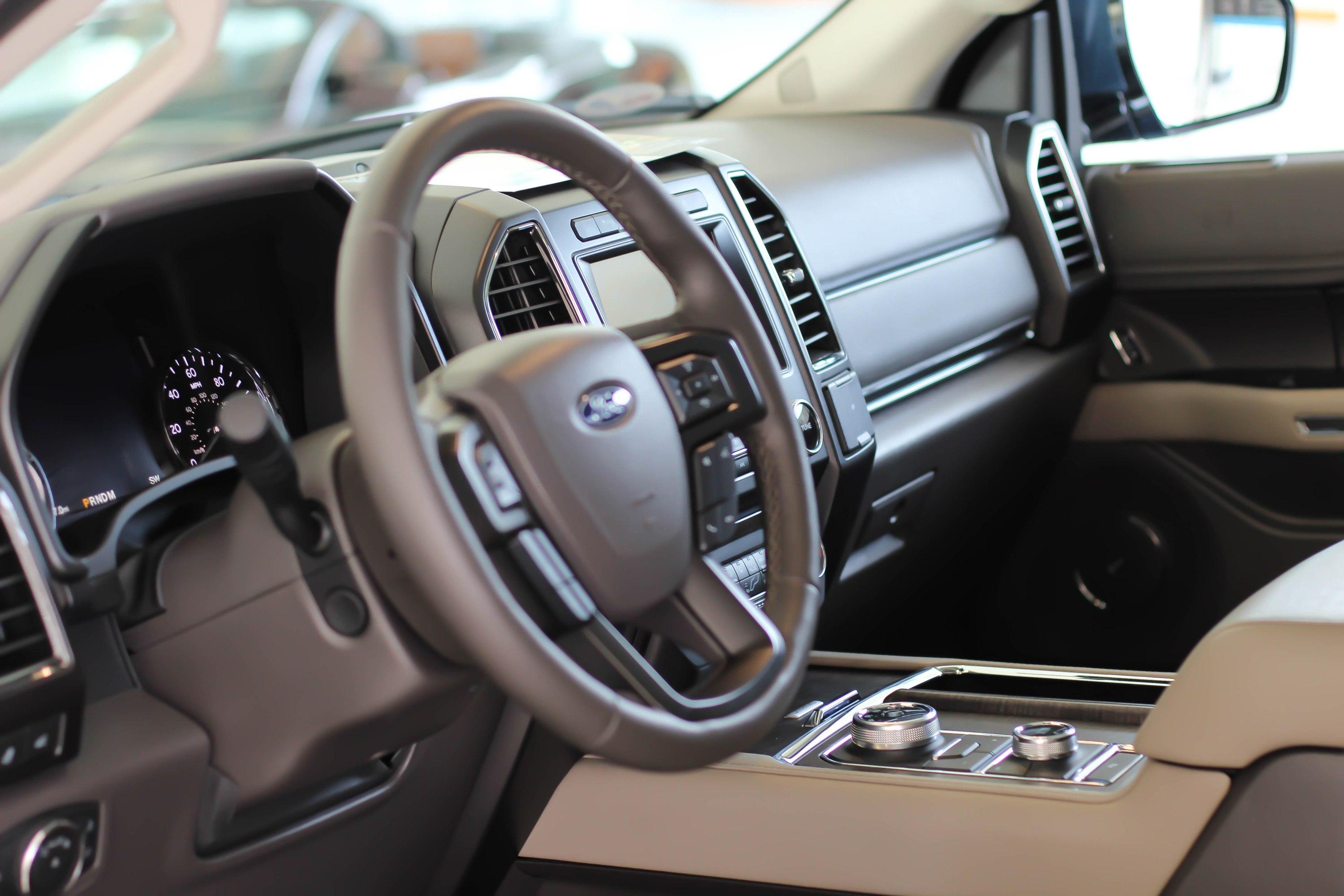 With Pleasing Interior Ergonomics Aesthetics The  Ford Expedition Is Designed For The Everyday Gentlemen That Appreciates Utilitarian Luxury